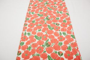 Table Runner - Poppies Red/Green (4m x 36cm £25)